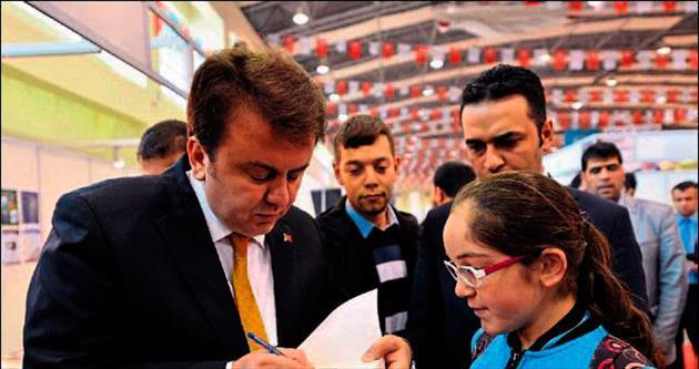 Anadolu'nun en büyük kitap fuarı devam ediyor