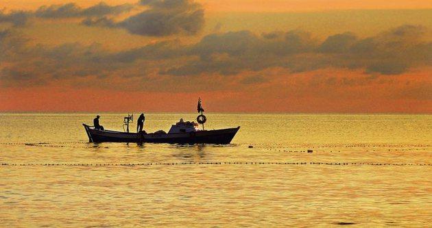 İsrail Gazzeli balıkçıları vuruyor