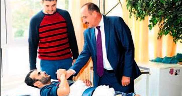 Duruay İncek'te hastalarla görüştü
