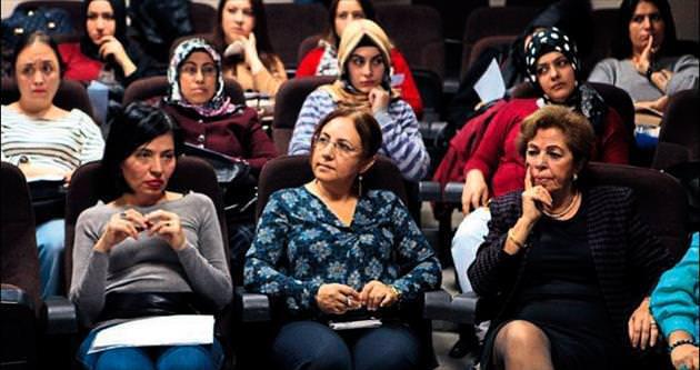 Bornova'nın lider kadınları yetişiyor