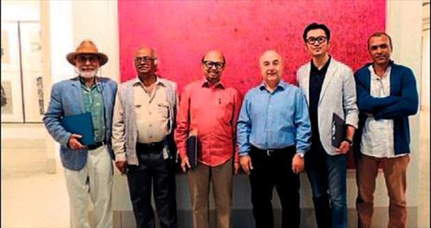 Prof. Dr. Uğurcan Akyüz Bangladeş'ten döndü
