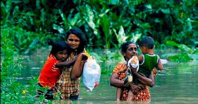Sel suları 40 bin kişiyi evsiz bıraktı