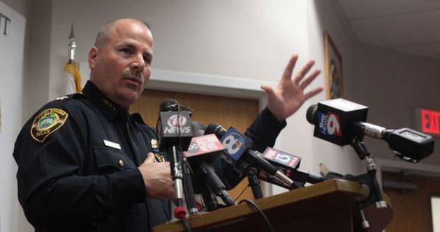 ABD'de bir polis daha öldürüldü