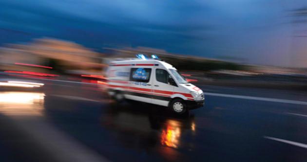 Halk otobüsü ile kamyon çarpıştı: 22 yaralı