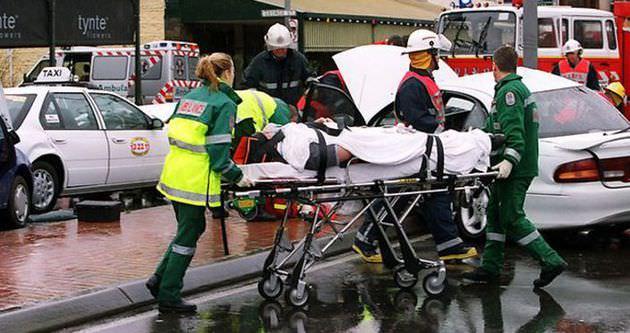 Çöp aracı yayalara çarptı: 6 ölü, 7 yaralı
