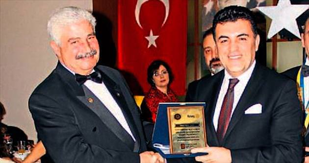 Rotary Kulübü'nden Demir'e anlamlı ödül