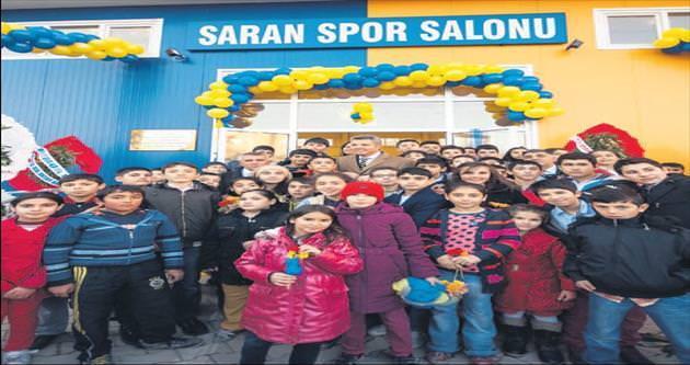 Somalı çocuklara yeni spor salonu