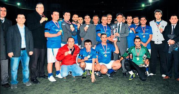 Şampiyonluk kupasını SGK havaya kaldırdı