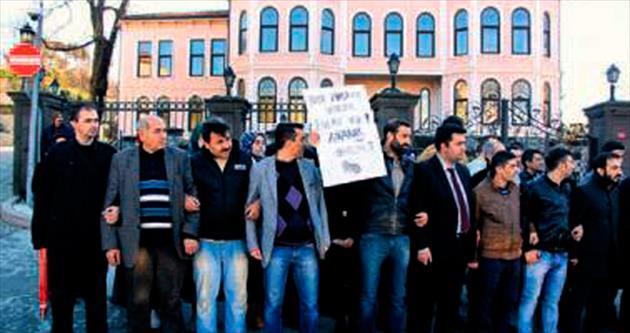 25 Aralık darbe girişimine protesto