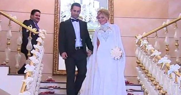 Şarkıcı Doğuş Bakü'de düğün yaptı