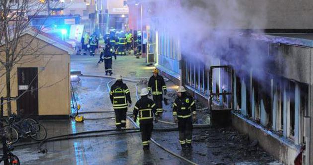 İsveç'te bir camiye daha çirkin saldırı