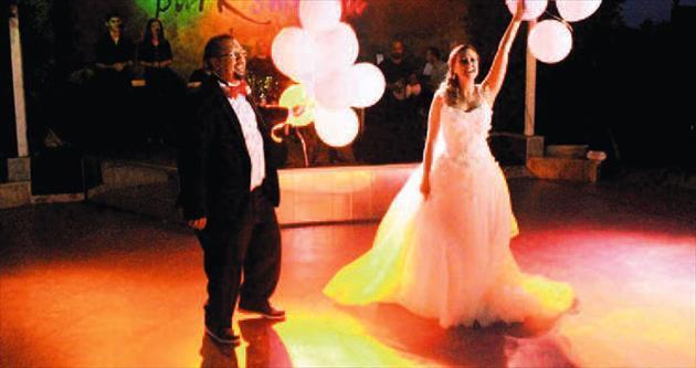 Karanlıkta düğüne 8 bin TL tazminat