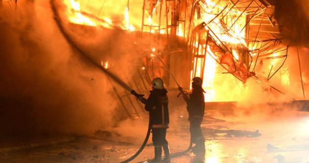 Hindistan'da atölye yangını: 8 ölü
