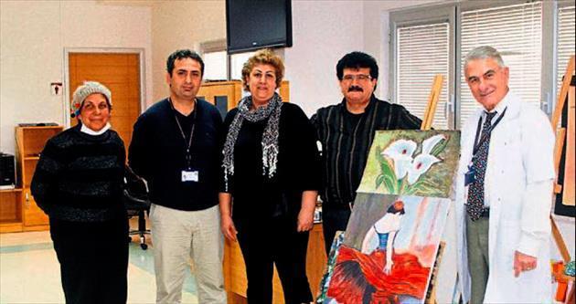 Sanatla terapi moral veriyor