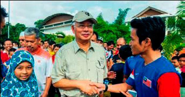 Malezya'da golfçü Başbakan Rezak'a öfkeler dinmiyor