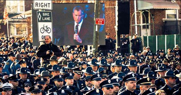 ABD'de öfke büyüyor bir polis daha kurban