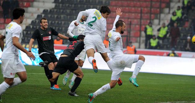 Bursaspor deplasmanda 14 puan topladı