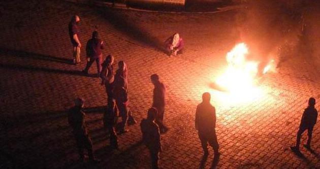 Hakkari'de polise molotoflu saldırı