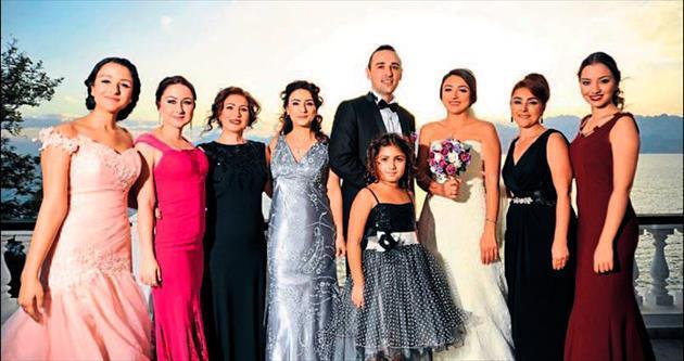 İzmir'e gelin verdik