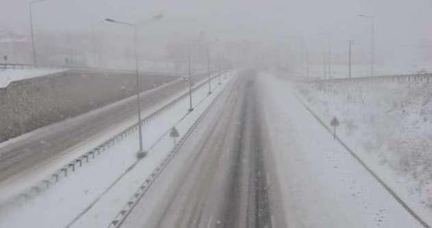 Balıkesir-İzmir karayolu ulaşıma kapandı