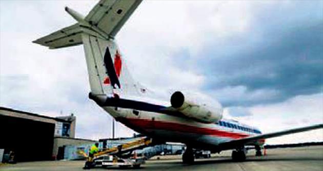Kabin basıncı düştü pilot acil iniş yaptı