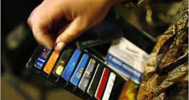 Aidatsız kredi kartı çıkarmayan bankalara ceza