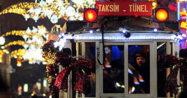 Taksim'de yılbaşı coşkusu