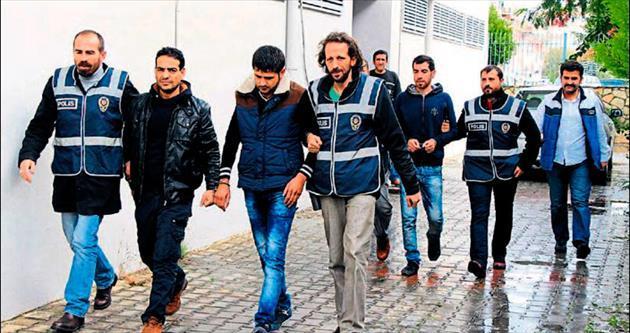 Suriyeli dolandırıcılar Antalya'da yakalandı
