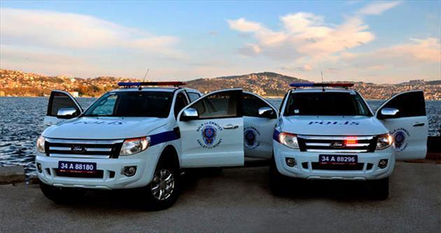 Emniyetin aracıyla gezen polise dava