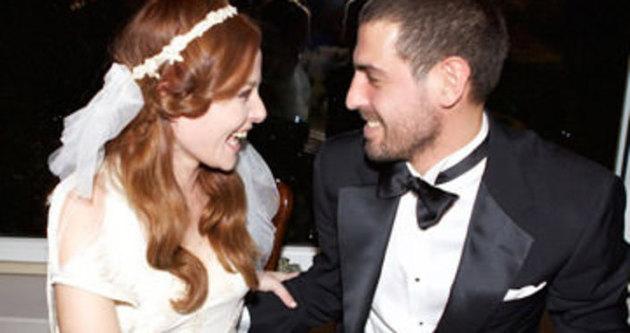 Naz Elmas ile Emre Kıramer evlendi