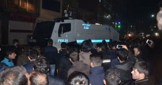 Polis Hakkari'de büyük alkış aldı