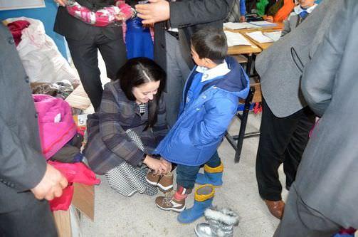 Alev Hoca'nın 'Çocuklar üşümesin' kampanyası meyvesini verdi