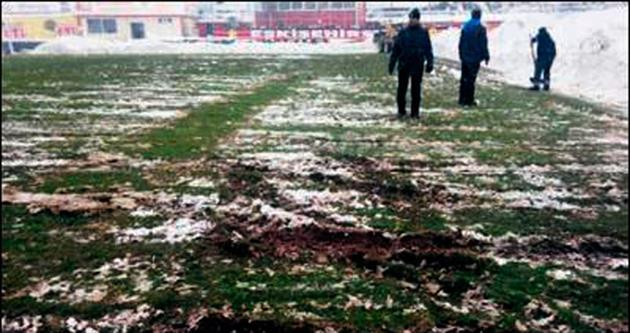 Eskişehir-Balçova maçına zemin engeli