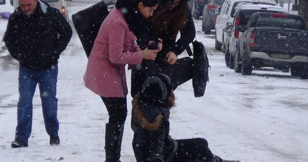 Karlı havalarda nasıl yürünmeli?