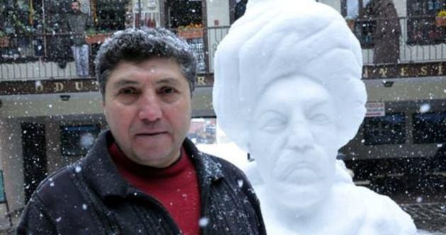 Lüle taşından Yunus Emre heykeli