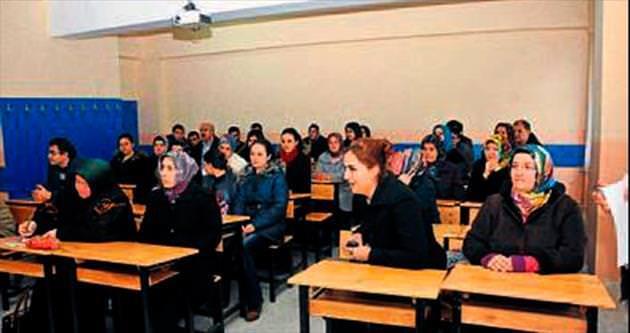 Belediye personeli eğitimlere başladı
