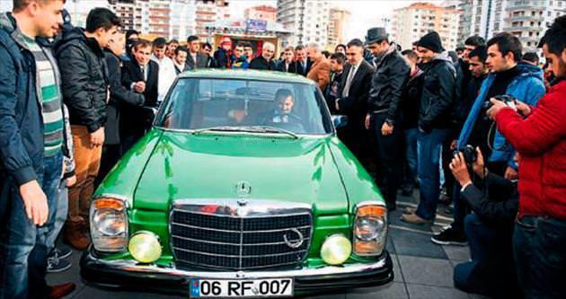 Klasik otomobiller Etimesgut'ta buluştu
