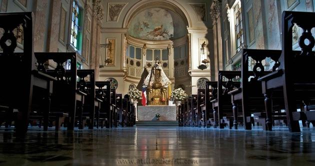 Avrupa'da kiliseler satışa çıkıyor!