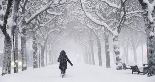 İstanbul'da kar kalınlığı 15 cm ulaştı