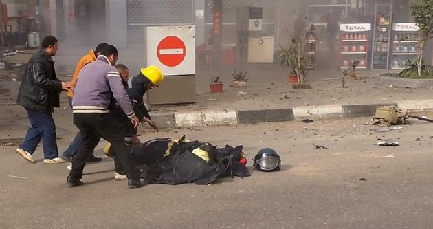 Mısır'da bomba imha uzmanı böyle patladı