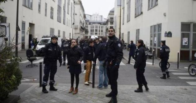 Charlie Hebdo dergisine saldırı: En az 12 ölü