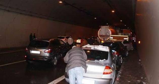 TEM'de 15 araç birbirine girdi!