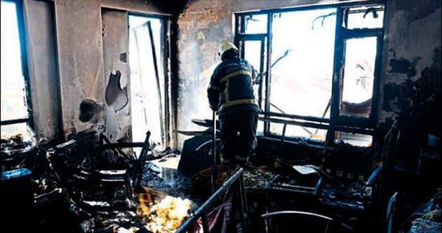 Soba kapağı bir evi yaktı