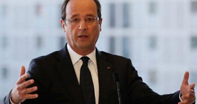 Hollande: Teröristlerin İslam diniyle alakası yok