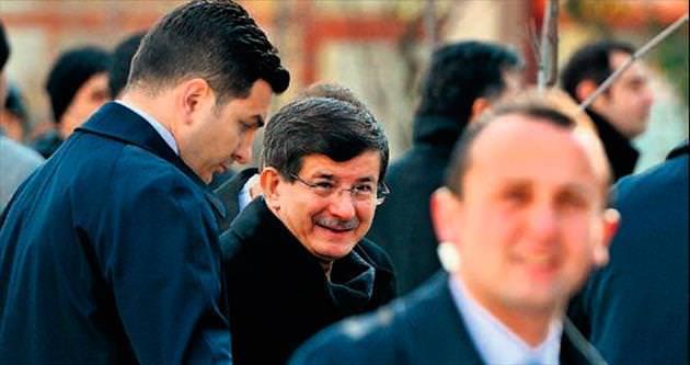 Rahatsızlanan Davutoğlu programlarını iptal etti