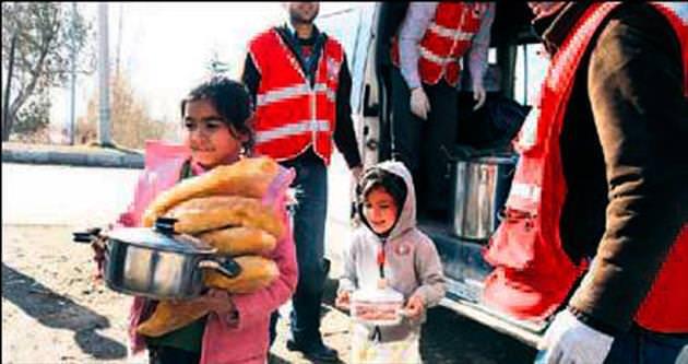 Kızılay'dan Suriye'ye 840 milyon lira