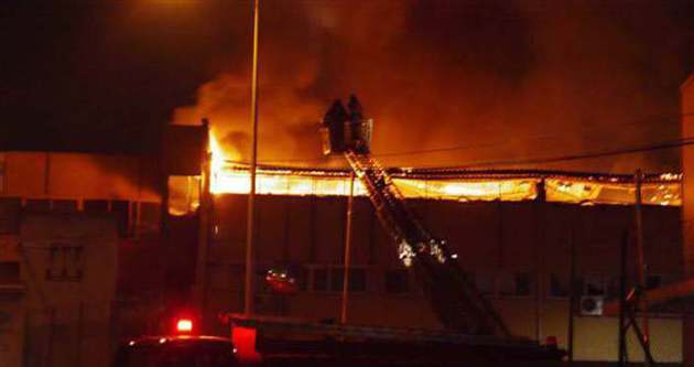 Sefaköy'de yangın çıktı