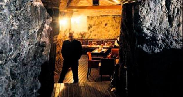 Tarihi handa 'restoran içinde mağara'