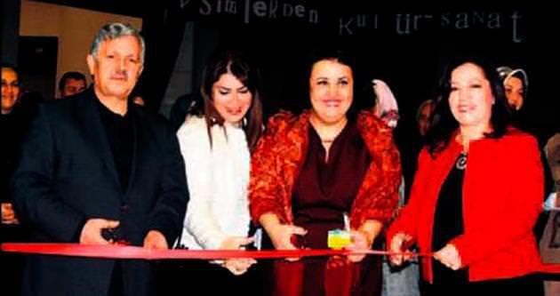 Osmanlı Sarayı'ndan Esintiler sergisi açıldı