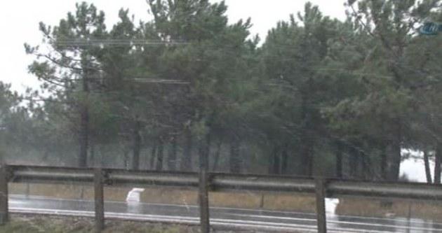 İstanbul'a kar geri döndü